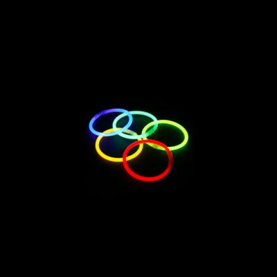 lot-de-100-bracelets-fluo